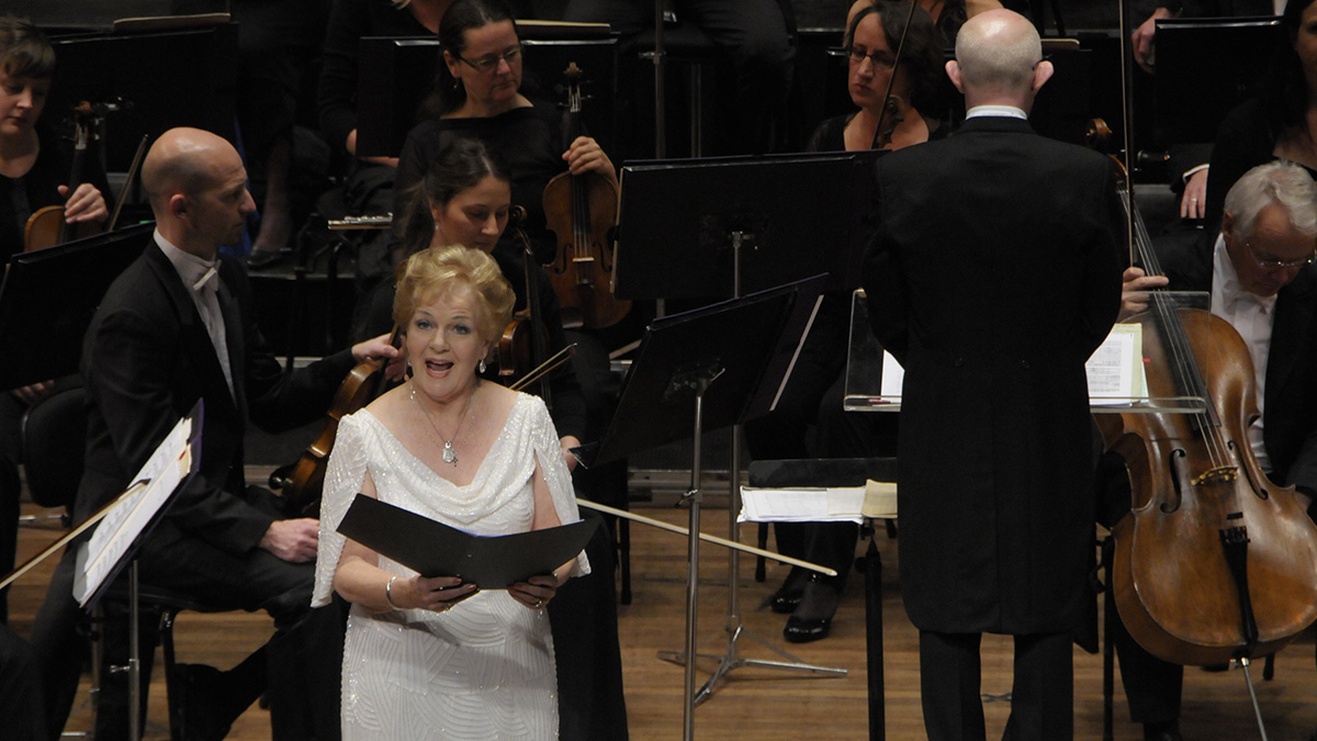 Dame Malvina Major with The New Zealand Symphony Orchestra